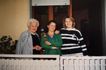 My mother Lina, sister Ugolina and my daughter in Italy.